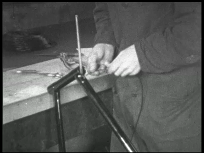 9950 BB00398 Promotie film van de Union Rijwielfabriek B.J. van den Berg in Den Hulst aan de Dedemsvaart in ...