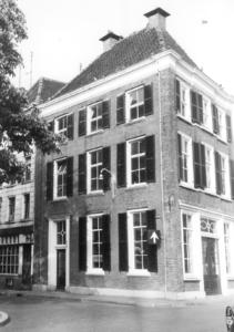 2438 FD001796 De Buitenkant hoek Nieuwstraat in 1972., 1972-00-00