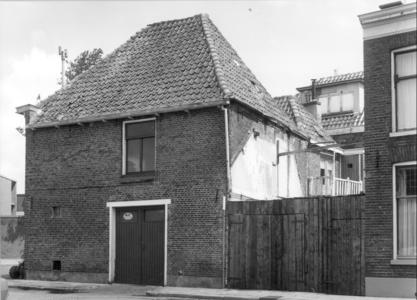 4666 FD000688 Bedrijfspand in gebruik bij de Zwolse Zaadhandel van Bruggeman en woning op de hoek Assiesplein en ...