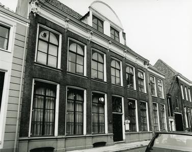 4702 FD001304 Het woonhuis van de dichter Rhijnvis Feith (1753-1824) in de Bloemendalstraat in het centrum van de stad. ...