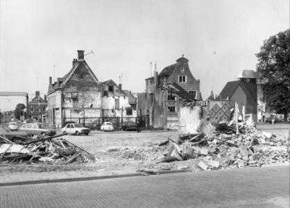 5207 FD000040 Stadssanering voor de bouw van het nieuwe winkelcentrum, 1972. Sloop panden aan de Vispoortenplas hoek ...