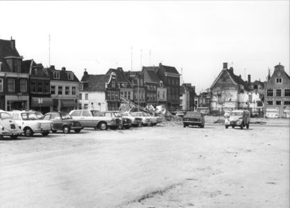 5210 FD000043 Westelijke gevelwand van de Roggenstraat en Vispoortenplas met toekomstig Meerminneplein en slagboom van ...
