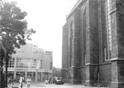 5221 FD000050 Winkelcentrum binnenstad 1989 met winkelend publiek, Achter de Broeren en Broerenstraat naar het westen ...