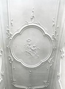 5270 FD001321 Stucwerk in het voormalige woonhuis van de dichter Rhijnvis Feith (1753-1824) in de Bloemendalstraat in ...