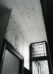 5271 FD001322 Stucwerk in het voormalige woonhuis van de dichter Rhijnvis Feith (1753-1824) in de Bloemendalstraat in ...