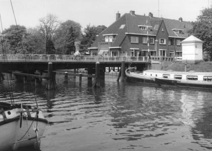 5839 FD000773 Woningen aan de Bagijnesingel in de wijk Diezerpoort, in 1932 gebouwd op een terrein van de heer ...
