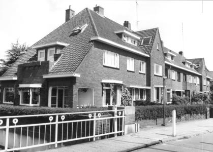 5840 FD000774 Woningen aan de Bagijnesingel in de wijk Diezerpoort, in 1932 gebouwd op een terrein van de heer ...