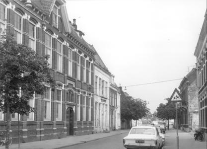 7551 FD000187 Aplein 7, Aplein 9, Aplein 11, Aplein 13 vanaf de Steenstraat naar het zuidoosten,1972. Broerenkerkplein ...