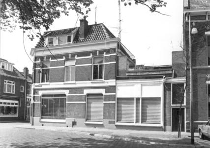 9890 FD000322-02 Assendorperplein 14 zuidzijde gezien naar de Groenestraat?hoek Coetsstraat?, 1977-00-00