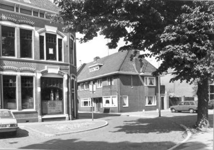 9891 FD000323 Assendorperplein 2 hoek Enkstraat.Assendorperplein nrs 2-12 ontworpen 1906 door architect G.G. Post., ...