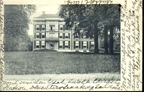 1108 PBKR4317 Huize Zandhove, gelegen aan de Hollewandsweg 17 te Hoog-Zuthem, ca. 1905. De buitenplaats Zandhove ...