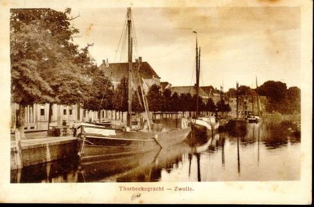 1273 PBKR3772 Thorbeckegracht ca. 1920, in de gracht een binnenvaartschip, beurtschip Zwolle-Zaandam-Wormerveer ...