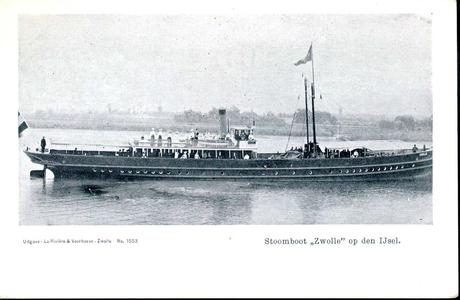 1343 PBKR4917 Stoombootdienst Zwolle - Amsterdam, stoomboot 'Zwolle' op de IJssel, ca. 1904., 1904-00-00