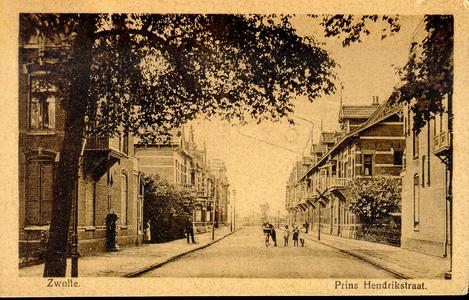 1372 PBKR5482 Prins Hendrikstraat, ca. 1920, gezien vanaf de Veerallee, vanuit het zuidoosten., 1920-00-00
