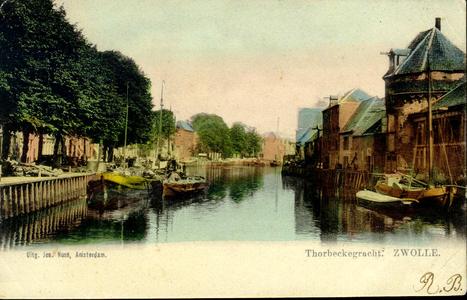 1489 PBKR3808 Thorbeckegracht ca. 1905 naar het oosten bij de Wijndragerstoren (rechts). Links en rechts van de ...