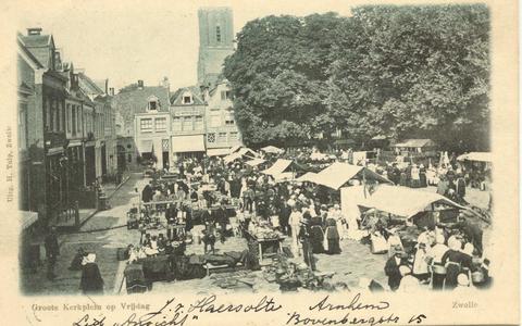 1599 PBKR5529 Grote Kerkplein vanuit het oosten gezien, op marktdag (vrijdag), ca. 1900., 1900-00-00