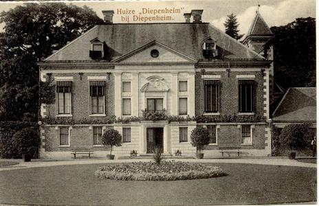 1617 PBKR5547 Kasteel Huize Diepenheim, ca. 1905-1910. Huize Diepenheim is de oudste havezate van het dorp Diepenheim. ...