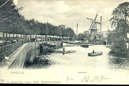 1935 PBKR3892 Gezicht op de Pannenkoekendijk tussen Keersluisbrug en de juist opengedraaide Kamperpoortenbrug. De ...