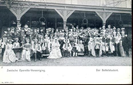 1953 PBKR4447 Zwolse Operettevereniging in de tuin veranda van de Buitensocieiteit Westerlaan, 1908, 1905-00-00