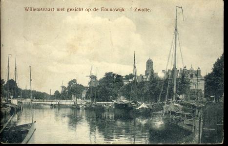 224 PBKR4167 Willemsvaart met Keersluisbrug en rechts Emmawijk, Peperbus en Eekwalmolen en Jufferenwalmolen. In de ...