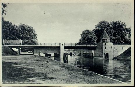 231 PBKR4174 Spoolderbergbrug over de Willemsvaart vlak na de bouw in 1936: de landhoofden van de draaibrug van ...