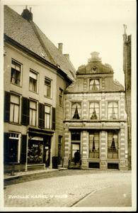 2329 PBKR3395 Gezicht op het Karel V huis (rijksmonument) aan de Sassenstraat 33 te Zwolle, ca. 1923. Oorspronkelijk ...
