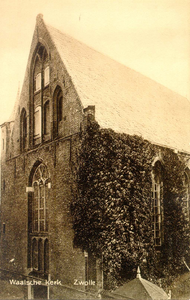 2756 PBKR3462 Schoutenstraat 4: Gezicht op de westgevel van de Sint Geertruidenkapel, in gebruik als Waalse Kerk, ca. ...