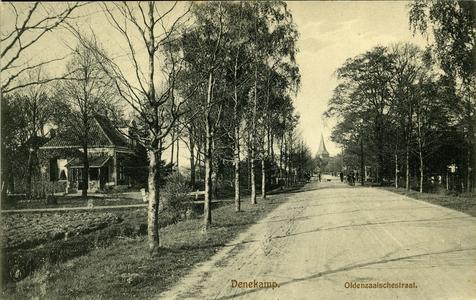 3100 PBKR5788 De Oldenzaalsestraat vanuit het zuidwesten, met op de achtergrond de St. Nicolaaskerk., 1920-00-00