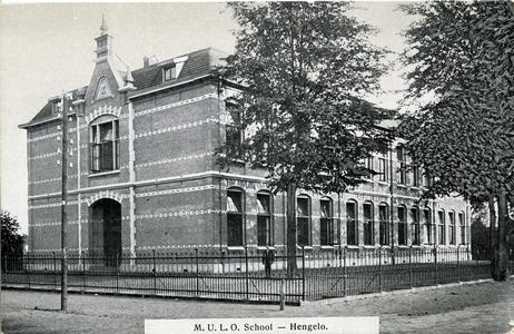 3540 PBKR5870 De 1e ULO school aan de Oldenzaalsestraat op de hoek met de Weemenstraat. De zogenaamde Fransche School ...