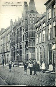 3655 PBKR0732 Gezicht op de gebouwen van het Provinciehuis met de ingang naar de Rodehaanstraat, ca. 1908. Het huis ...