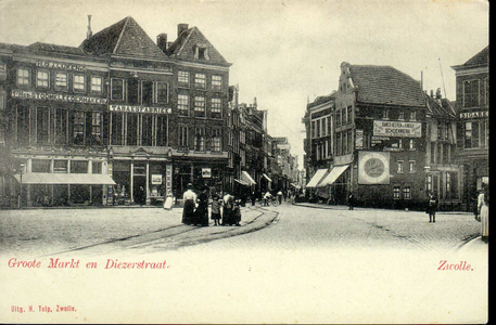 3698 PBKR1310 Grote Markt ca. 1896-1901. Links: Grote Markt 9 eerste Nederlandse Stoomkleedermakerij van H. G. J. Lüken ...