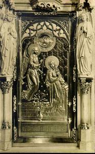 3823 PBKR0182 Assendorperstraat, interieur Dominicanenkerk, 1925-1930: tabernakeldeur met voorstelling Annunciatie ...