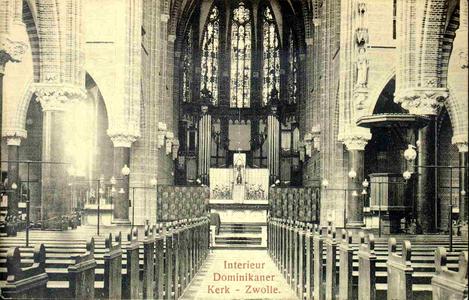 3828 PBKR0187 Interieur Dominicanenkerk, ca. 1915-1920: kerkbanken en altaar., 1915-00-00
