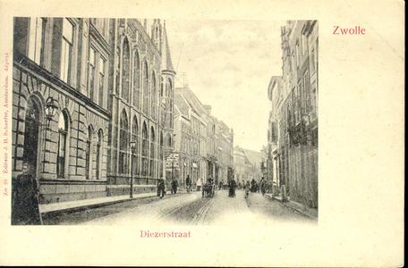 3851 PBKR0748 Gezicht in de Diezerstraat vanuit De Smeden, ca. 1900. Links het Provinciehuis en daarnaast de ...
