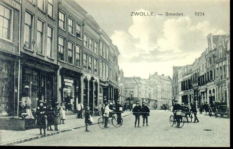 3874 PBKR0771 Gezicht in de Diezerstraat, vanaf de Smeden in de richting van het provinciehuis, 1914. Links, ...