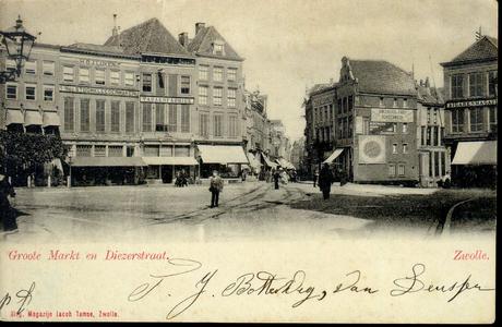 3884 PBKR1316 De Grote Markt met rails van de paardentram. Tot 1919 kwam de tram door de Diezerstraat. Van links naar ...