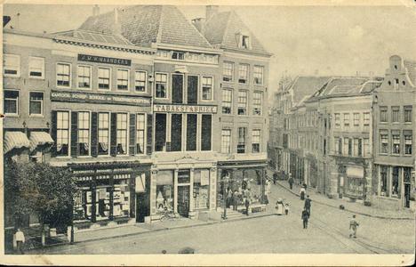 3893 PBKR1325 Helft van een panoramakaart van de Grote Markt, ca. 1905.Vanaf links: Grote Markt 10, woonhuis notaris ...