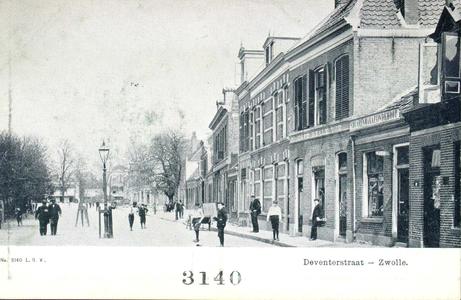 3925 PBKR1896 Gezicht op de oneven zijde van de Deventerstraat (nu Van Karnebeekstraat) vlakbij de Enkstraat, ca. 1915. ...