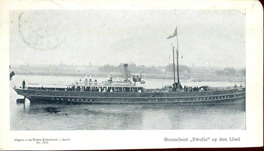 3940 PBKR1911 Stoomboot Zwolle op de IJssel, 1900. Op de boot bevindt zich veel publiek dat zonnig gekleed is., 1900-00-00