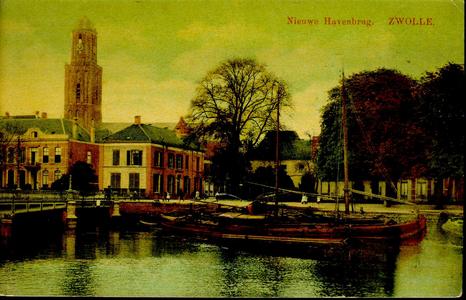 3972 PBKR2484 De Nieuwe Havenbrug, de ingang naar de Luttekestraat en links Eekwal 2-4, ca. 1912. De naam Nieuwe Haven ...