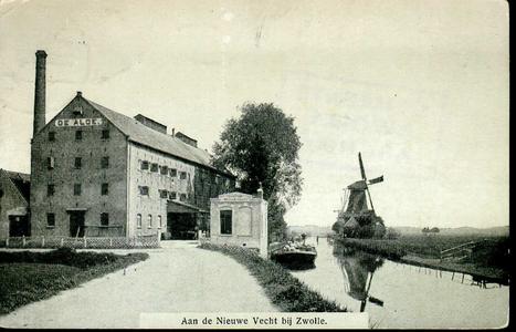 4403 PBKR2555 Boerendanserdijk, ca. 1909, gezicht in noordelijke richting vanaf de Vechtbrug langs de Nieuwe Vecht. ...