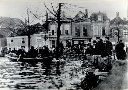 4485 PBKR0304 Diezerkade, hoog water, 14 januari 1916.(Reprokaart uit 1971 van oude fotokaart door J.A. Eelsingh). Bij ...