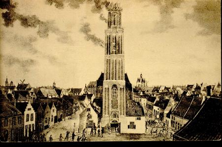 4613 PBKR2586 Prentbriefkaart van het schilderij waarop de brand in de toren van de OLV-kerk staat afgebeeld. De brand ...