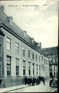 4637 PBKR0312 Broerenstraat 11, ca. 1915.Voorbij de hoek van de Nieuwstraat (uiterst links op de foto) bevond zich tot ...