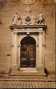 4639 PBKR0314 Broerenstraat 11, ca. 1910.Het poortje van het voormalige Hervormd Weeshuis , afgebrand 30 juni 1960, aan ...