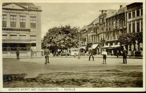 4724 PBKR1473 Grote Markt ingang Melkmarkt, met de pas aangelegde rotonde of vluchtheuvel met links op de voorgrond een ...