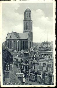 4751 PBKR2039 Bovenaanzicht van de Luttekestraat met de Maria ten Hemelopnemingkerk met Peperbustoren. Van rechts naar ...