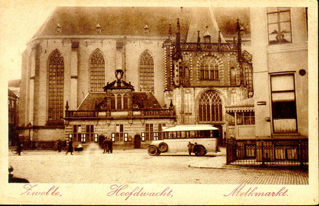 4890 PBKR1495 Grote Markt, na opheffing van de paardentram in 1919 en zonder rotonde aangelegd in 1923, gezien naar de ...