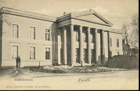 5340 PBKR2739 Het Paleis van Justitie (uit 1841, ontworpen door architect E.L. de Coninck) aan de kant van de ...