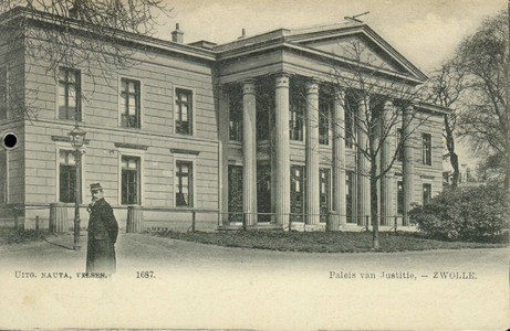 5346 PBKR2745 Achteraanzicht van het Paleis van Justitie aan de Potgietersingel, 1900-1905. Links lantaarnpaal en een ...